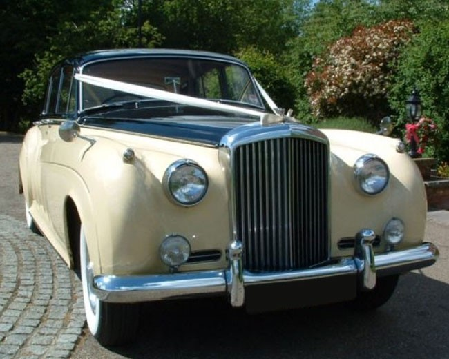 Proud Prince - Bentley S1 in London